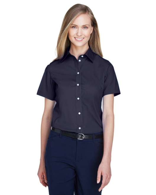 Picture of Devon & Jones D620SW Womens Crown Woven Collection Solid Broadcloth Short-Sleeve Shirt